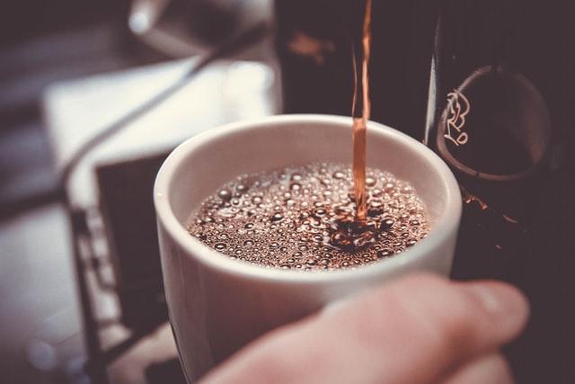 コーヒーメーカー、カフェ